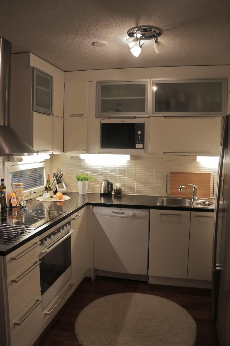harmaavalkoinen keittiö  home  Pinterest